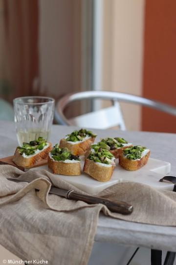 Rezept Spargel-Crostini mit Ziegenfrischkäse