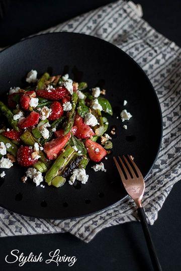 Rezept Spargel-Erdbeersalat mit Feta und Walnüssen