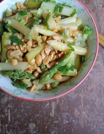 Rezept  Spargel, Erdnüsse, Zitrone und Sojasauce auf Basmatireis