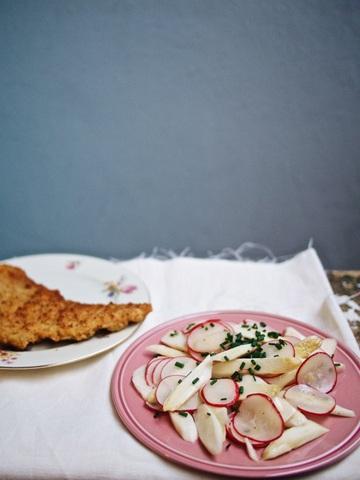 Rezept Spargel-Radieschen-Salat mit Wiener-Schnitzel