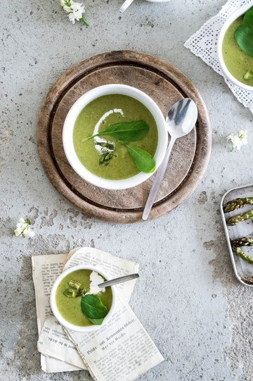 Rezept Spargelcremesuppe mit Spinat und Weißwein
