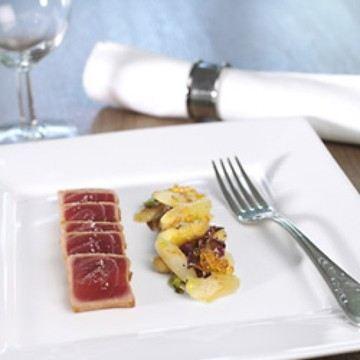 Rezept Spargelsalat mit gebratenem Thunfisch und Saiblingskaviar