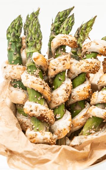 Rezept Spargelstangen mit Blätterteig und Schinken