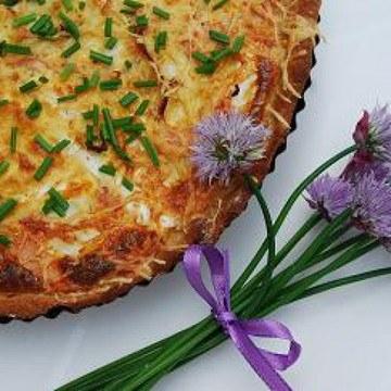 Rezept Spargeltorte mit Kochschinken und Schnittlauchblüten
