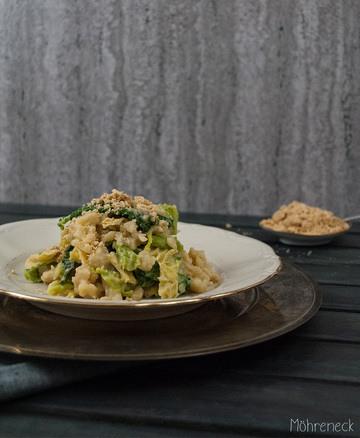 Rezept Spätzle mit Wirsing & Hummussauce