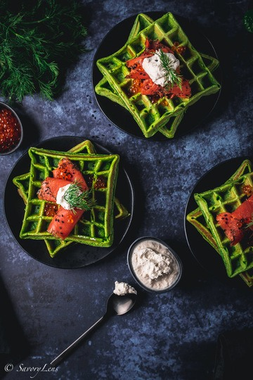 Rezept Spinatwaffeln mit Graved Lachs und Meerrettich-Creme