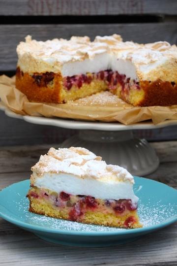 Rezept Stachelbeer-Baiser-Kuchen mit Mandel-Polenta-Boden