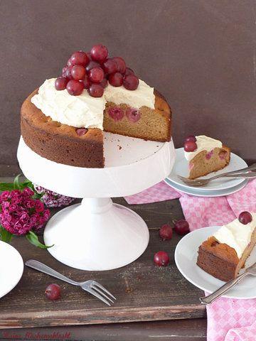 Rezept Stachelbeer Kuchen mit Marzipan Sahne