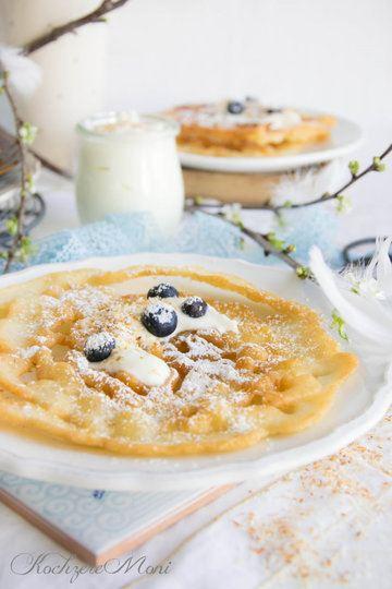 Rezept Strauben (Funnel Cakes) mit fluffiger Kokoscreme