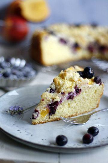 Rezept Streuselkuchen mit Schmand, Blaubeeren und Nektarinen