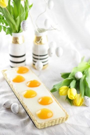Rezept Süßer Osterbrunch: Aprikosen-Schmandtarte in Spiegeleioptik