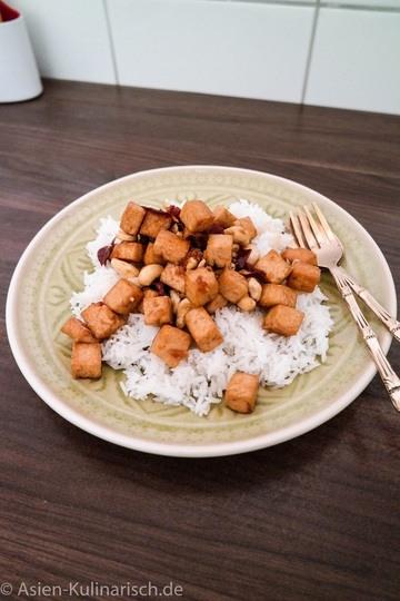 Rezept Süßer Tofu mit Chilis und Cashews
