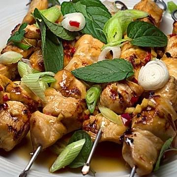Rezept Süßes Chili-Hähnchen vom Grill mit asiatischem Kartoffelsalat