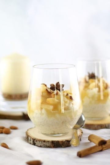 Rezept Süßes für den Herbst: Mandelmilchreis mit Birnen – vegan & zuckerfrei