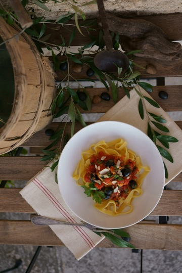 Rezept Tagliatelle mit Oliven-Tomatensauce