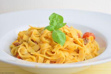 Rezept Tagliatelle yogurt e pomodori