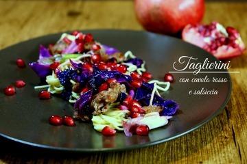 Rezept Taglierini con cavolo rosso e salsiccia