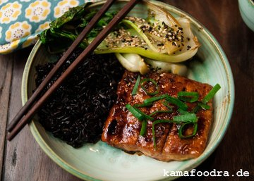 Rezept Teriyaki Lachs mit Sesam Pak Choy und schwarzem Reis