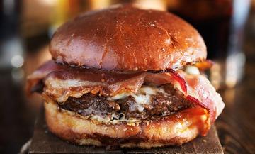 Rezept Texas-Burger mit Speck und Spiegelei