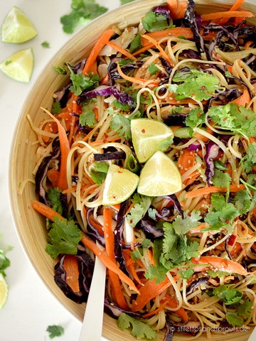 Rezept Thai-Nudelsalat mit Erdnusssauce
