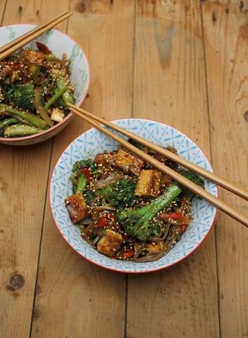 Rezept Tofu in Pfeffersauce mit Sobanudeln und Brokkoli