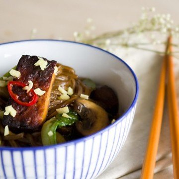 Rezept Tofu Stir Fry mit Baby Pack Choy und Sobanudeln