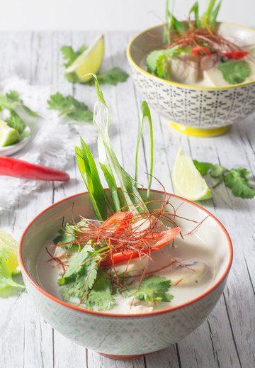 Rezept Tom Kha Gai – thailändische Hühnersuppe mit Kokosmilch