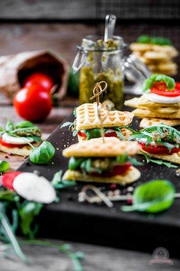 Rezept Tomaten-Mozzarella Waffelsandwich