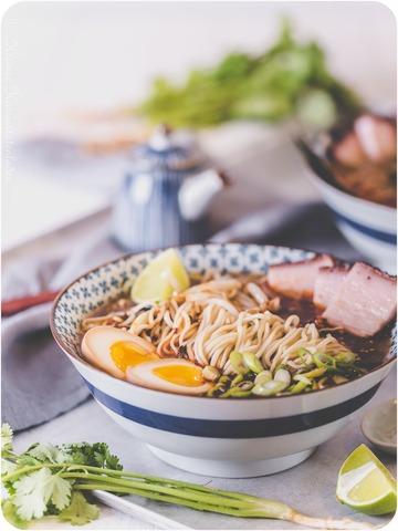 Rezept Tonkotsu-Ramen mit Ajitsuke Tamago und Chāshu