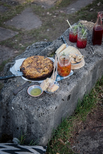 Rezept tortilla mit guanciale und himbeer rosmarin sirup
