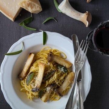 Rezept Trüffel-Spaghetti mit Kräuterseitlingen und Salbei