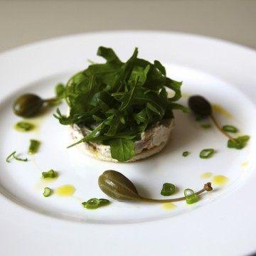 Rezept Tuna-Mousse auf Tramezzini-Cracker und Rucola