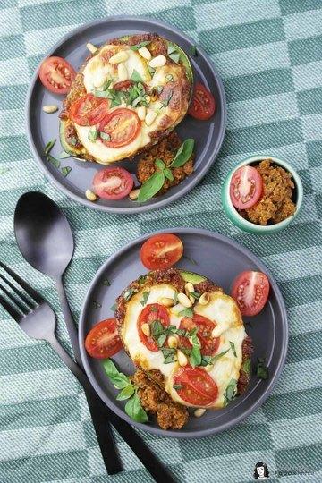 Rezept Überbackene Avocado mit rotem Pesto