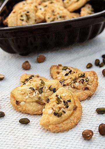 Rezept Uppåkrakakor – Schwedische Butterplätzchen mit Pistazien und Haselnüssen