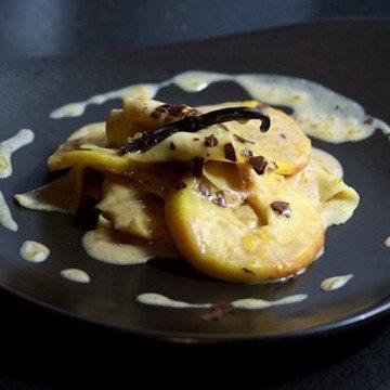 Rezept Vanille-Nudeln mit karamellisierten Amaretto-Äpfeln