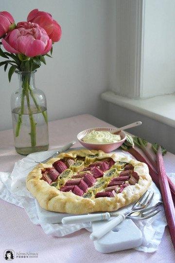 Rezept Vegane herzhafte Rhabarber-Maultaschen-Galette oder Tarte