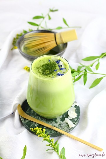 Rezept Vegane Kokos-Matcha-Latte