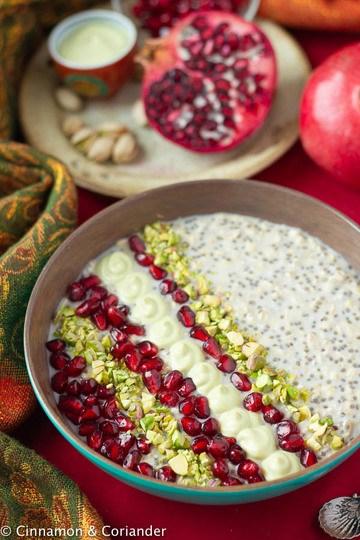 Rezept Vegane Overnight Oats mit Pistazien Creme & Granatapfel