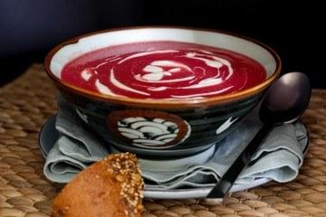 Rezept vegane Rote Beete-Kartoffel-Suppe mit Meerrettich