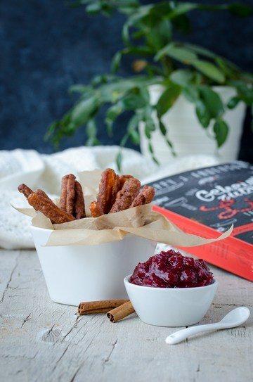 Rezept Vegane Süßkartoffelsticks im Kakaoteigmantel mit Cranberry-Dip