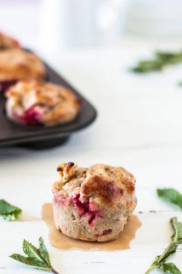 Rezept Vegane und glutenfreie Rhabarber-Erdbeer-Muffins