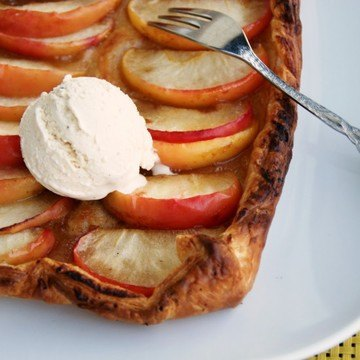 Rezept Veganer Apfelkuchen mit Eis