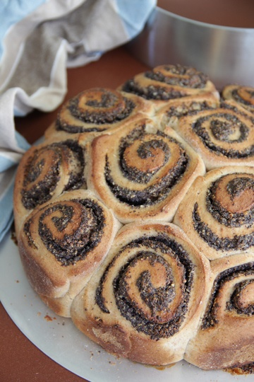 Rezept Veganer Rosenkuchen mit Mohnfüllung