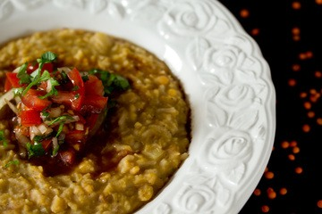 Rezept Veganes Linsenpüree an Tomaten-Balsamico-Salat