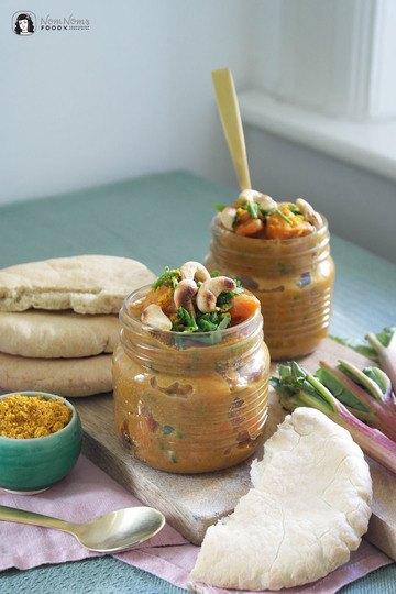 Rezept Veganes Rhabarber-Curry mit Süßkartoffel und Cashews