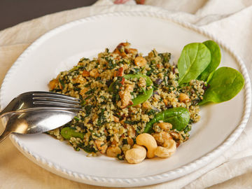 Rezept Vegetarische Couscous-Pfanne mit Spinat und Tofu