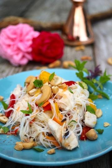 Rezept Vietnamesischer Glasnudelsalat mit Hähnchenbrust und Mango