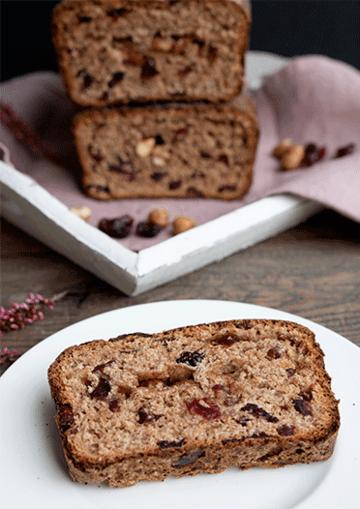 Rezept Vollkorn-Früchtebrot mit Zimt, Cranberries und Haselnüssen