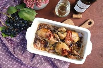 Rezept Wachteln in Weißweinsauce mit Trauben und Schalotten