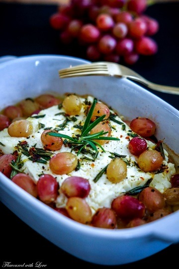 Rezept Warmer Feta mit Rosmarintrauben